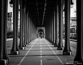 Pont de Bir-Hakeim / Paris / France